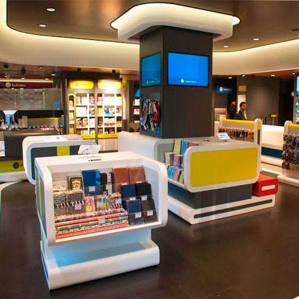 Correos presenta un nuevo concepto de oficina en madrid for Oficina central correos madrid
